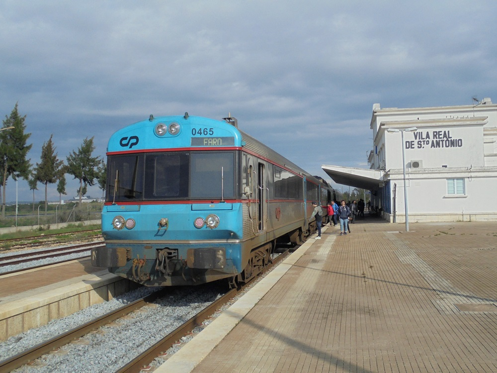 Trains in the Algarve - a summary of operations with timetables